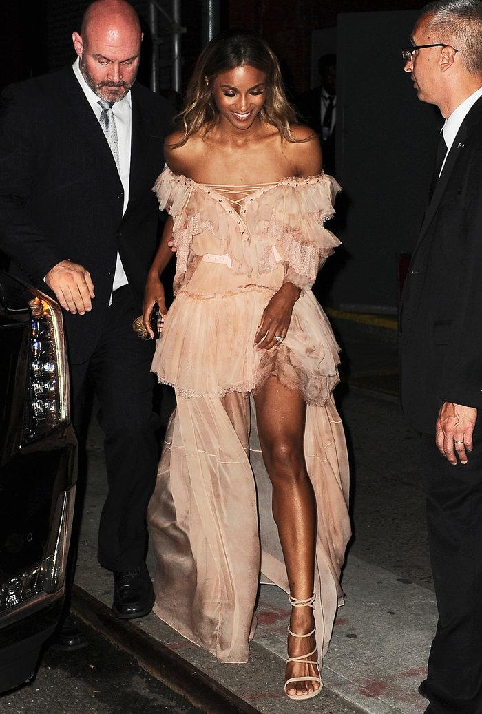 Το ροζ αέρινο φόρεμα που προκάλεσε πανικό στους δρόμους της ΝΥ - εικόνα 2