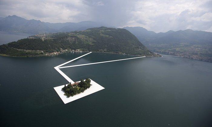 Λίμνη Iseo, το έργο πριν καλυφθεί με πανί