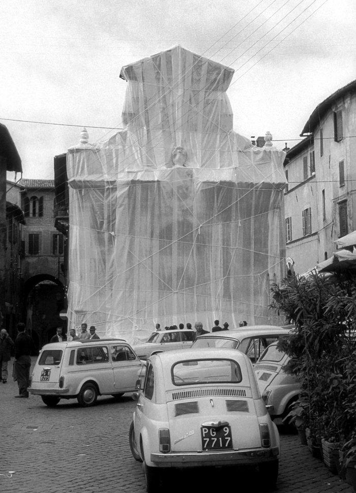 """""""Wrapped Fountain"""" στο Σπολέτο, 1968"""