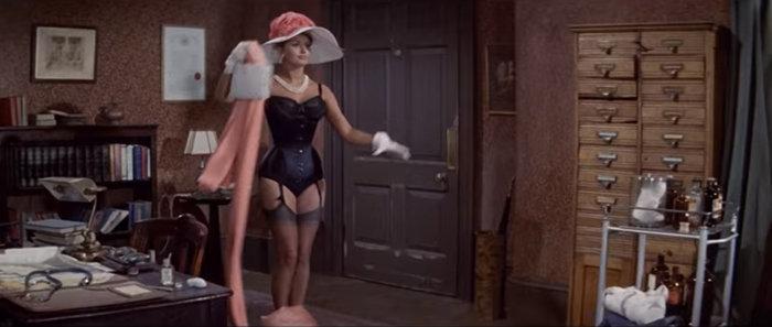 Σε δημοπρασία το θρυλικό ροζ Balmain φόρεμα της Σοφία Λόρεν - εικόνα 2