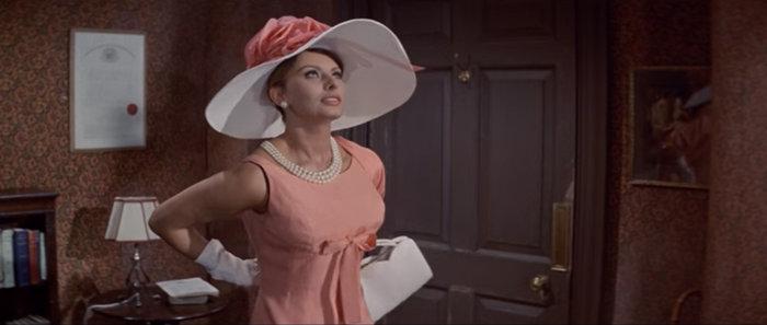 Σε δημοπρασία το θρυλικό ροζ Balmain φόρεμα της Σοφία Λόρεν - εικόνα 3