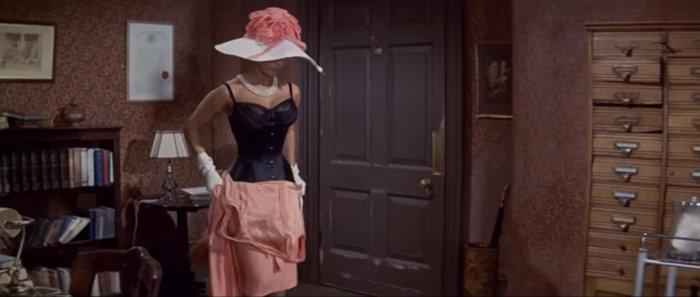 Σε δημοπρασία το θρυλικό ροζ Balmain φόρεμα της Σοφία Λόρεν - εικόνα 4