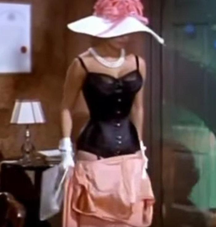 Σε δημοπρασία το θρυλικό ροζ Balmain φόρεμα της Σοφία Λόρεν - εικόνα 5