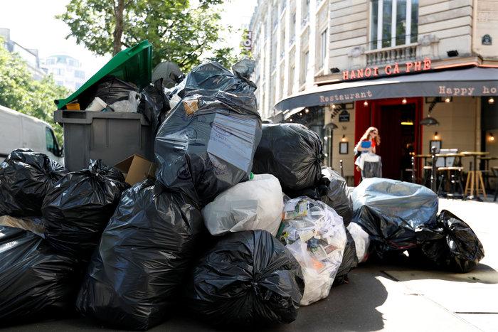 Εuro 2016 με απειλές, απεργίες και βουνά από σκουπίδια - εικόνα 2