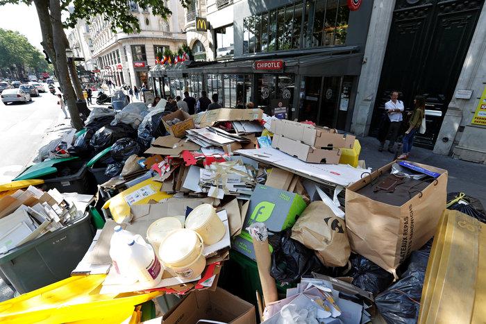 Εuro 2016 με απειλές, απεργίες και βουνά από σκουπίδια - εικόνα 3