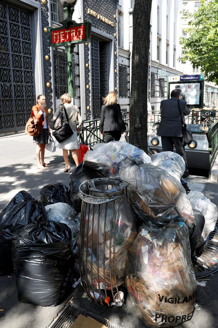Εuro 2016 με απειλές, απεργίες και βουνά από σκουπίδια - εικόνα 5