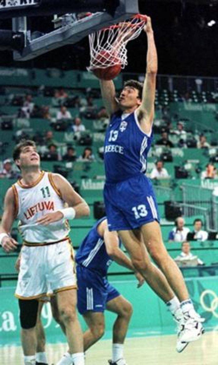 O Παναγιώτης Φασούλας στο Hall of Fame της FIBA