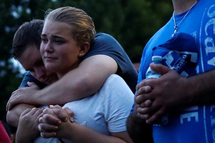 Ολονυκτίες και πορείες για τους νεκρούς του Ορλάντο - εικόνα 2