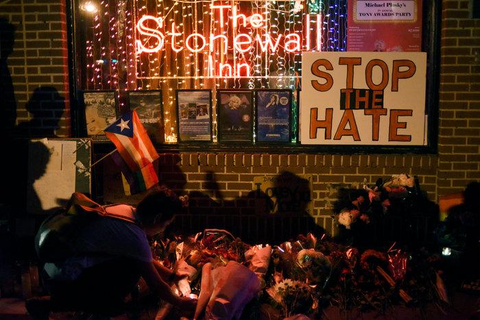 Ολονυκτίες και πορείες για τους νεκρούς του Ορλάντο - εικόνα 4