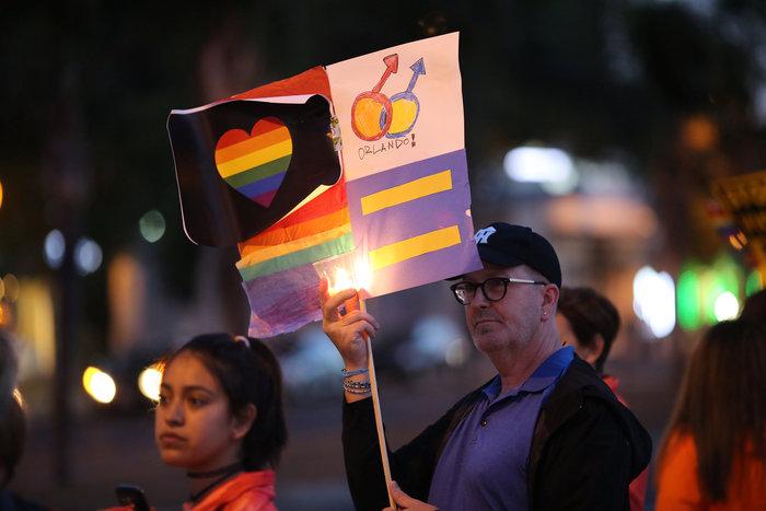 Ολονυκτίες και πορείες για τους νεκρούς του Ορλάντο - εικόνα 11