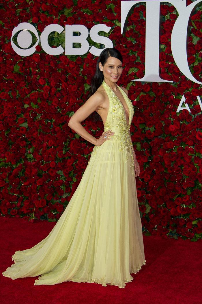 Η εκτυφλωτική Λούσι Λιου έκανε την πιο λαμπερή εμφάνιση στα Tony Awards