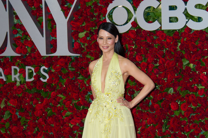 Η εκτυφλωτική Λούσι Λιου έκανε την πιο λαμπερή εμφάνιση στα Tony Awards - εικόνα 4