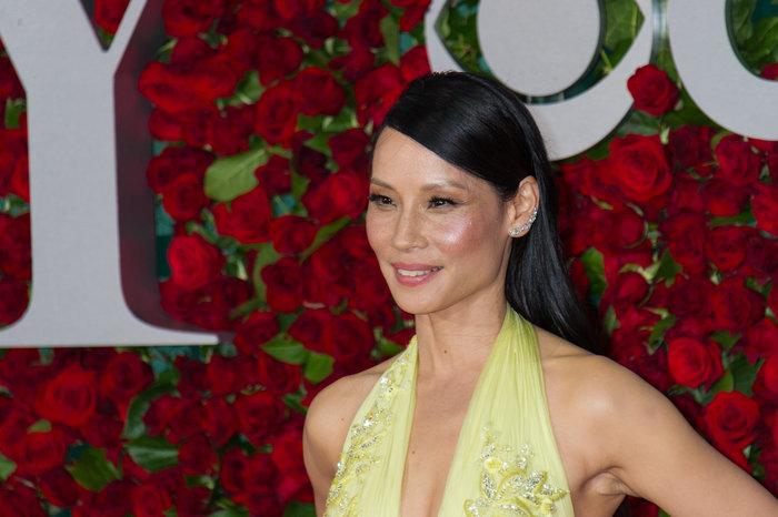 Η εκτυφλωτική Λούσι Λιου έκανε την πιο λαμπερή εμφάνιση στα Tony Awards - εικόνα 5