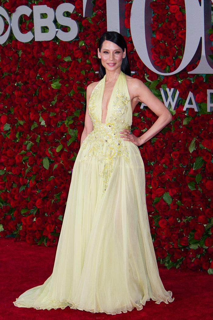 Η εκτυφλωτική Λούσι Λιου έκανε την πιο λαμπερή εμφάνιση στα Tony Awards - εικόνα 7