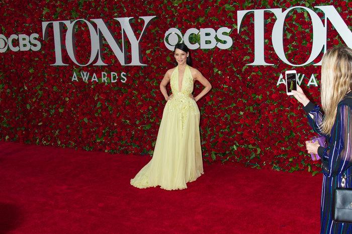 Η εκτυφλωτική Λούσι Λιου έκανε την πιο λαμπερή εμφάνιση στα Tony Awards - εικόνα 8