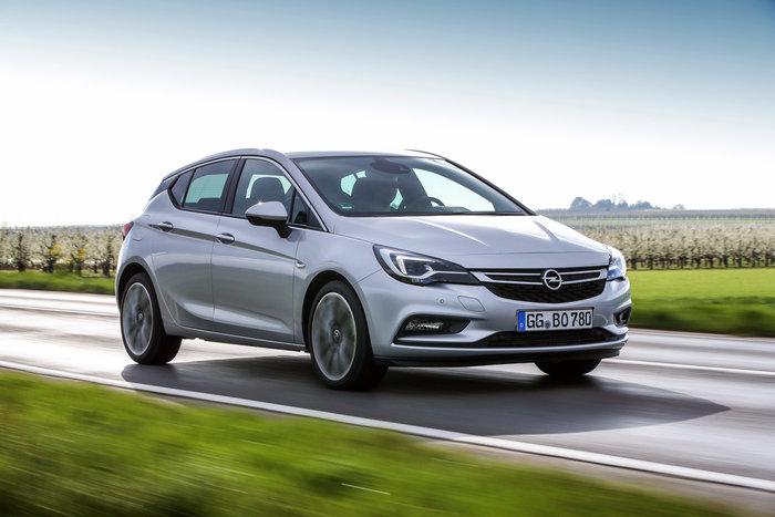 Opel Astra BiTurbo: To diesel με την καρδιά του λιονταριού