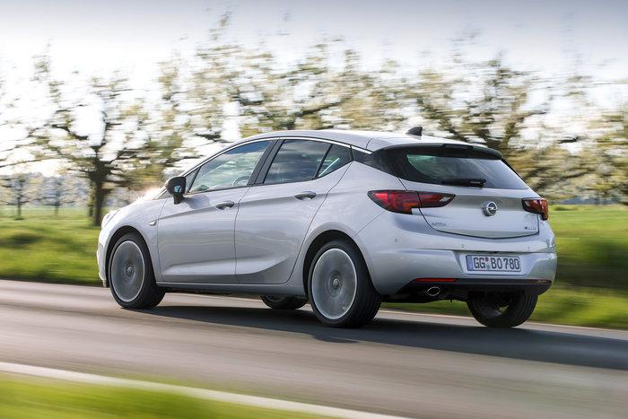Opel Astra BiTurbo: To diesel με την καρδιά του λιονταριού - εικόνα 2