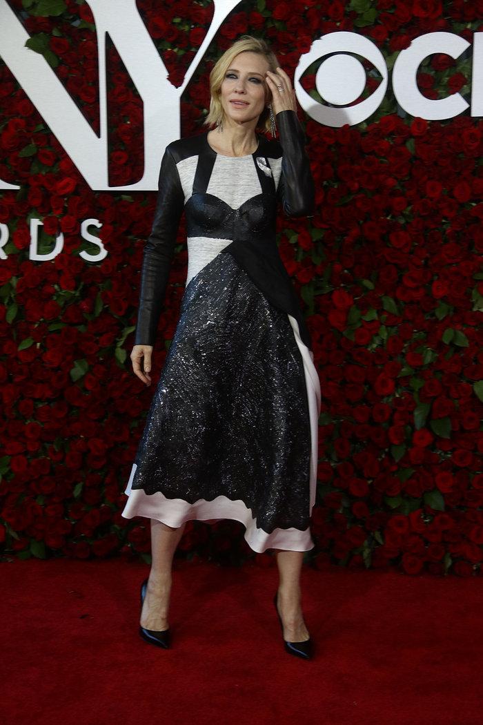 Η Κέιτ Μπλάνσετ δεν είναι ποτέ βαρετή στο κόκκινο χαλί-η νέα της εμφάνιση - εικόνα 6