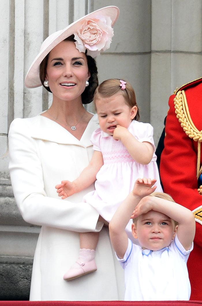 Ντελίριο στη Βρετανία για το ροζ φόρεμα της μικρής πριγκίπισσας - εικόνα 10