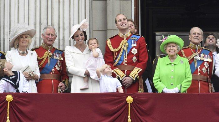 Ντελίριο στη Βρετανία για το ροζ φόρεμα της μικρής πριγκίπισσας