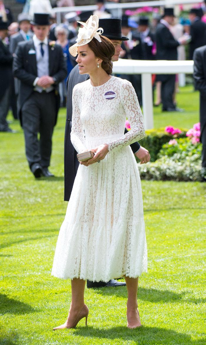 Η Κέιτ Μίντλετον έδωσε την καλύτερη απάντηση στις κακόγουστες Βρετανές - εικόνα 2