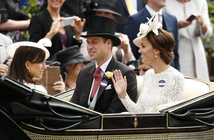 Η Κέιτ Μίντλετον έδωσε την καλύτερη απάντηση στις κακόγουστες Βρετανές - εικόνα 7