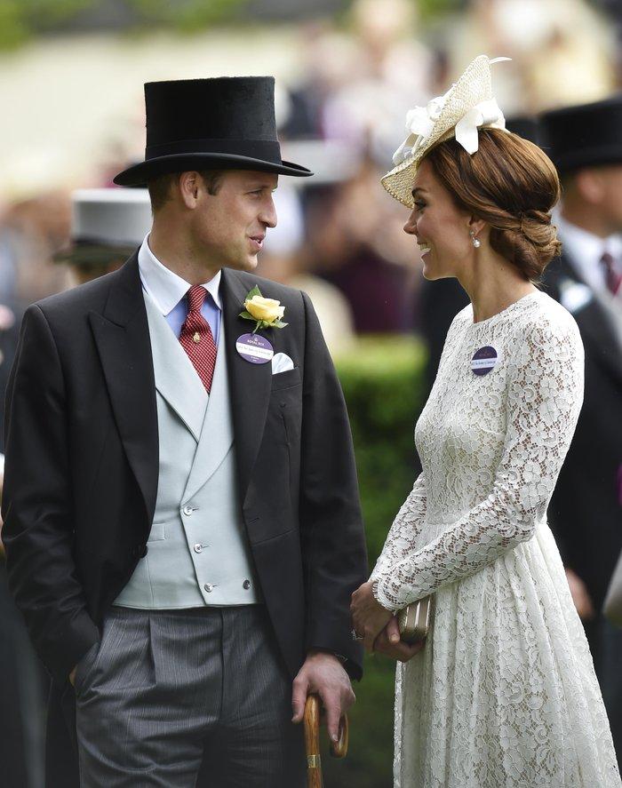 Η Κέιτ Μίντλετον έδωσε την καλύτερη απάντηση στις κακόγουστες Βρετανές - εικόνα 12