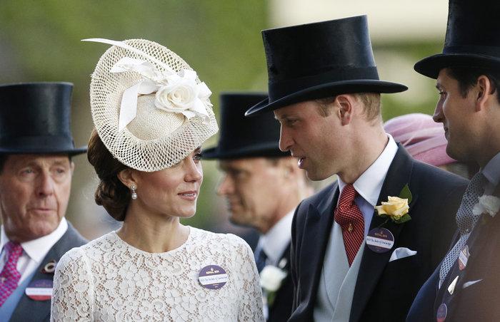 Η Κέιτ Μίντλετον έδωσε την καλύτερη απάντηση στις κακόγουστες Βρετανές - εικόνα 15