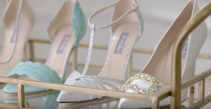 Η εμμονική με τα παπούτσια «Κάρι Μπράντσο» και η έκπληξη-σοκ σε 3 νύφες - εικόνα 5