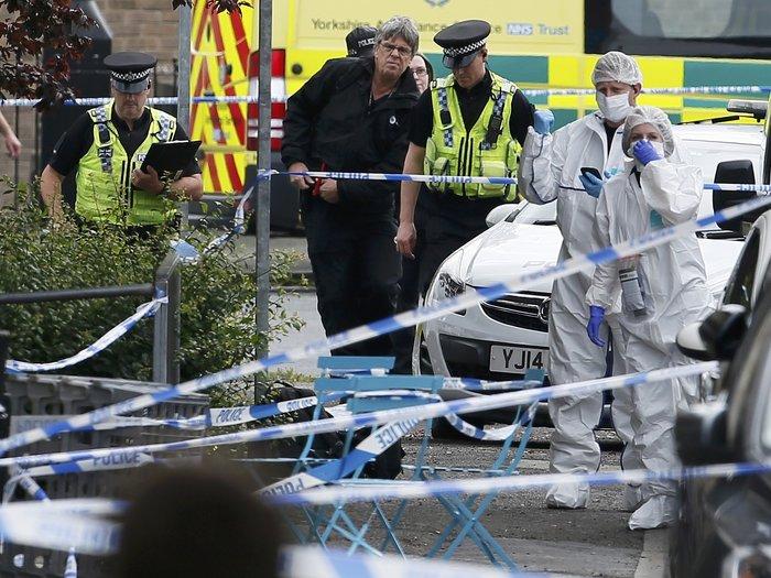 Πυροβόλησαν και μαχαίρωσαν βουλευτή των Εργατικών στη Βρετανία - εικόνα 3