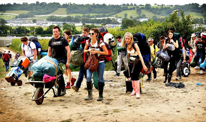 Το Φεστιβάλ Γκλάστονμπερι με αφιέρωμα στους Μπάουι, Πρινς και Λέμι - εικόνα 4