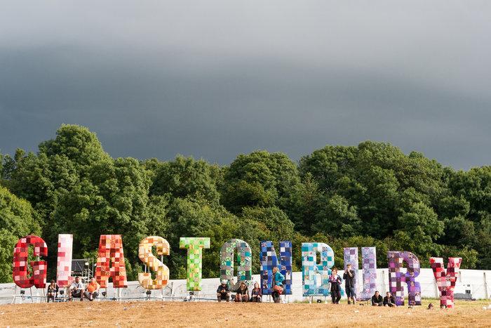 Το Φεστιβάλ Γκλάστονμπερι με αφιέρωμα στους Μπάουι, Πρινς και Λέμι - εικόνα 8