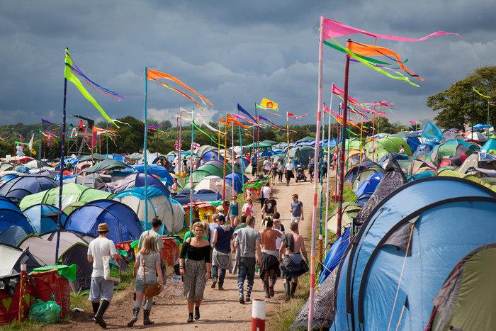 Το Φεστιβάλ Γκλάστονμπερι με αφιέρωμα στους Μπάουι, Πρινς και Λέμι - εικόνα 9