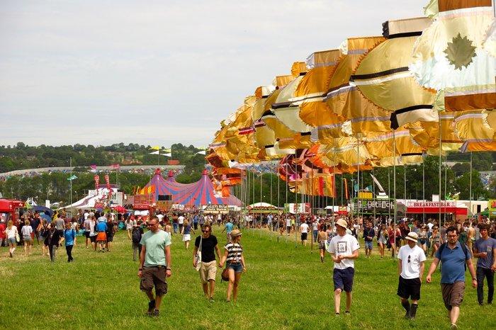 Το Φεστιβάλ Γκλάστονμπερι με αφιέρωμα στους Μπάουι, Πρινς και Λέμι - εικόνα 11