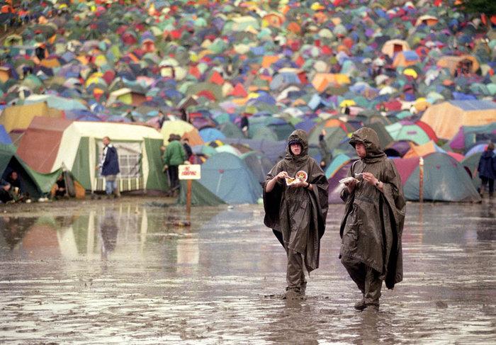 Το Φεστιβάλ Γκλάστονμπερι με αφιέρωμα στους Μπάουι, Πρινς και Λέμι - εικόνα 15