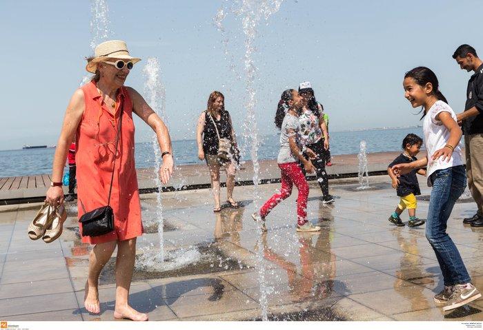 Σαν τα συντριβάνια της Θεσσαλονίκης δεν έχει! φωτό - εικόνα 4
