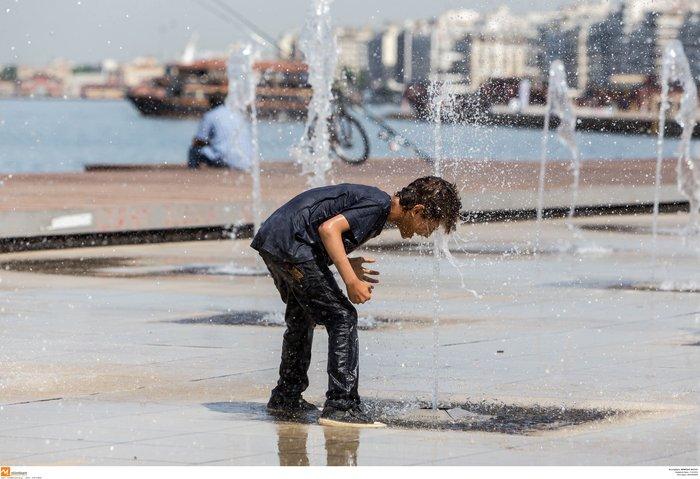 Σαν τα συντριβάνια της Θεσσαλονίκης δεν έχει! φωτό - εικόνα 8