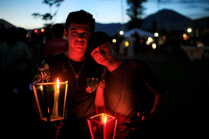 Ολονυκτία για τους 49 νεκρούς του Pulse Club στο Ορλάντο
