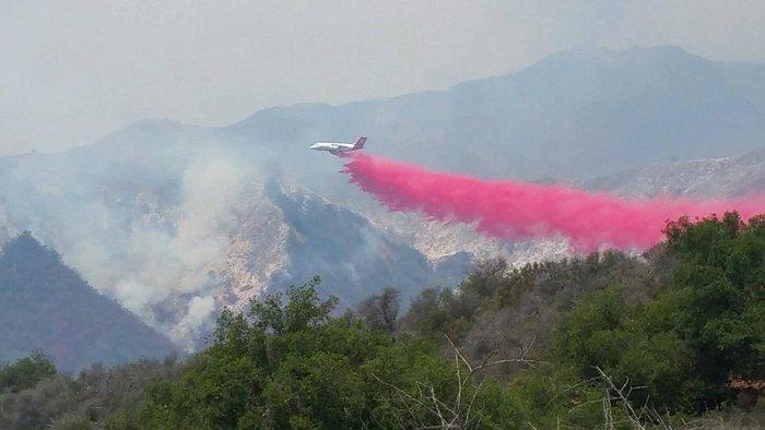 Μαίνονται ανεξέλεγκτες οι φωτιές στην Καλιφόρνια - ΒΙΝΤΕΟ - εικόνα 3