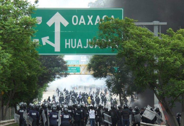 Χάος στο Μεξικό: 6 νεκροί σε επεισόδια διαδηλωτών με την αστυνομία