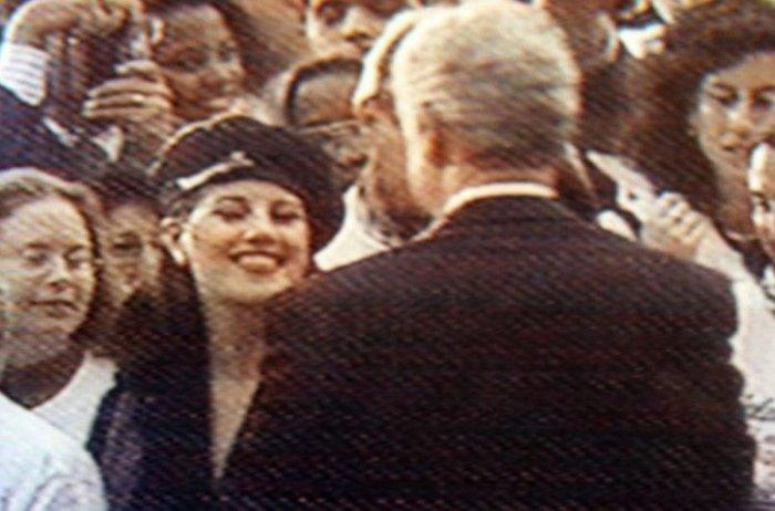 «Μπιλ και Μόνικα ερωτοτροπούσαν και στο οβάλ γραφείο» - εικόνα 3