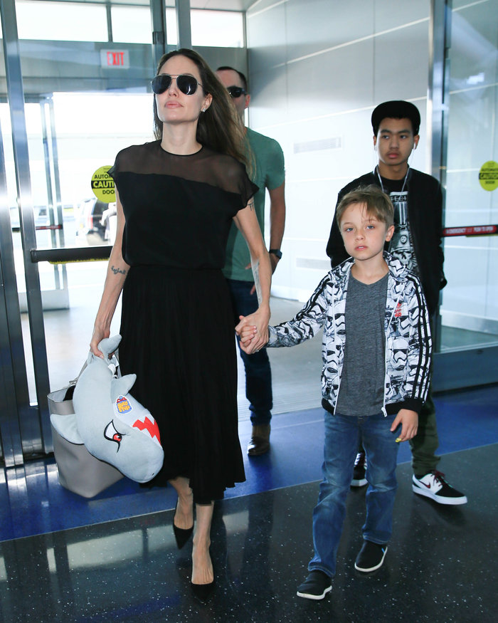 Η σπάνια τρυφερή στιγμή της Τζολί με τον 7χρονο γιο της [Εικόνες] - εικόνα 5