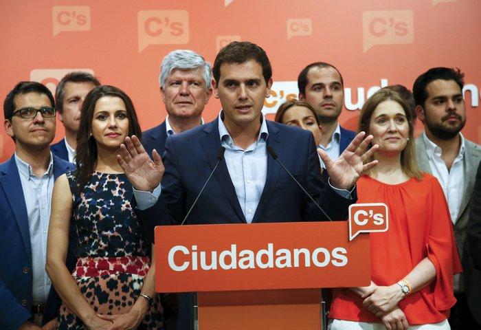 Aνατροπή στην Ισπανία, νίκη Ραχόι, τρίτοι οι Podemos - εικόνα 5