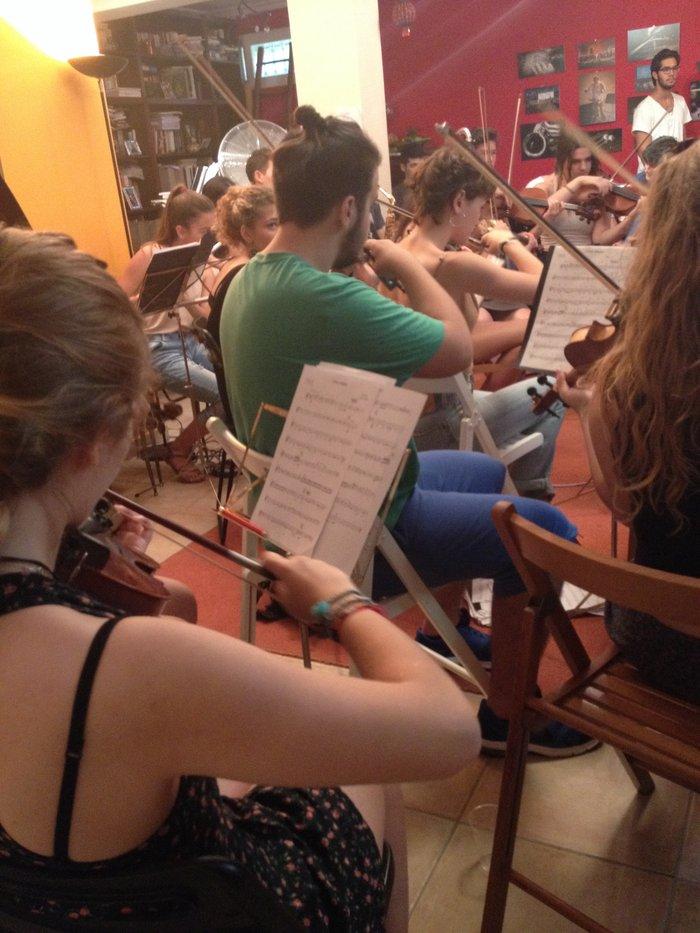 Η Έλλη Πασπαλά σε μια ευτυχισμένη συνεργασία με την Youth Orchestra - εικόνα 3