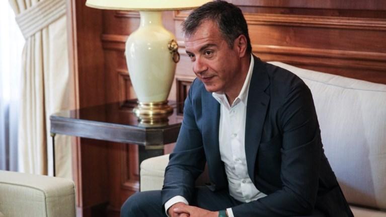 theodwrakis-o-tsipras-den-skopeuei-na-kanei-ekloges