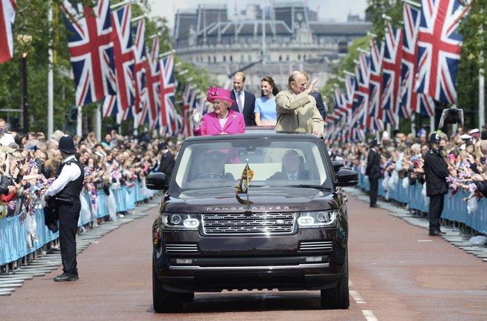 Πόσο κοστίζει η βασίλισσα Ελισάβετ & το σόι της στους Βρετανούς - εικόνα 2