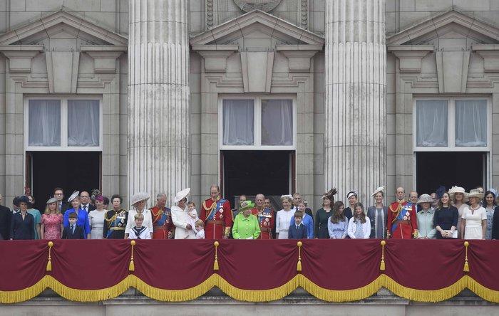 Πόσο κοστίζει η βασίλισσα Ελισάβετ & το σόι της στους Βρετανούς - εικόνα 4