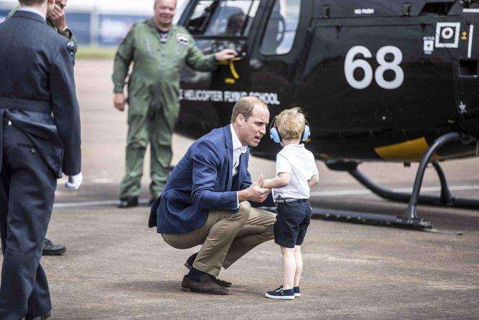 Ελικόπτερο Γονείς Γνωριμίες