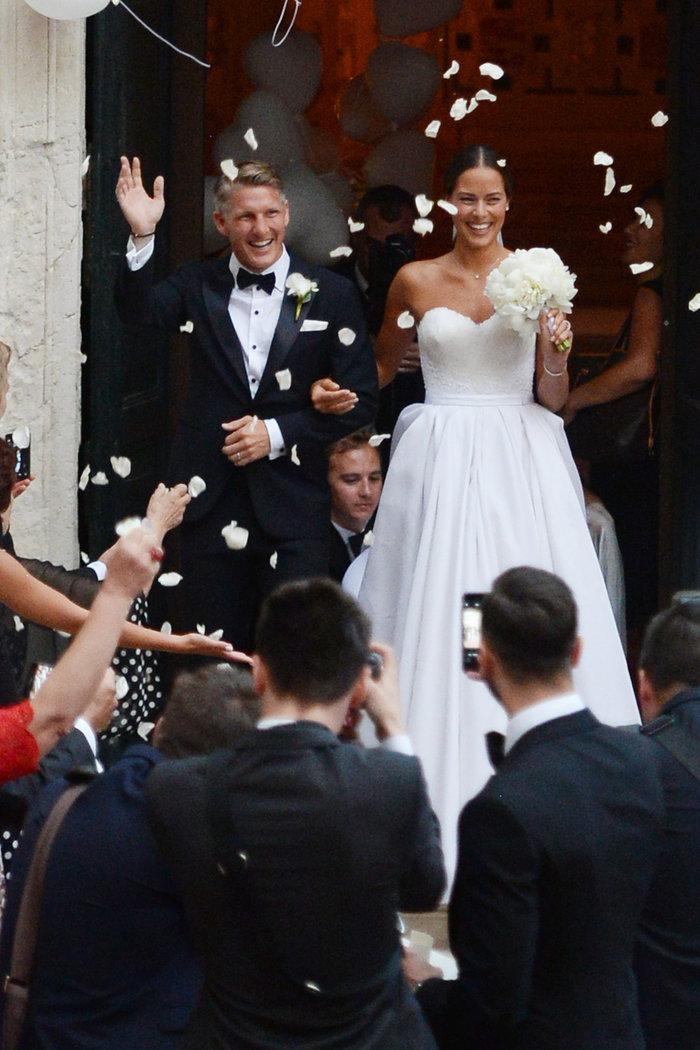 «Πριγκίπισσα» η Ιβάνοβιτς στον θρησκευτικό της γάμο στη Βενετία - εικόνα 10