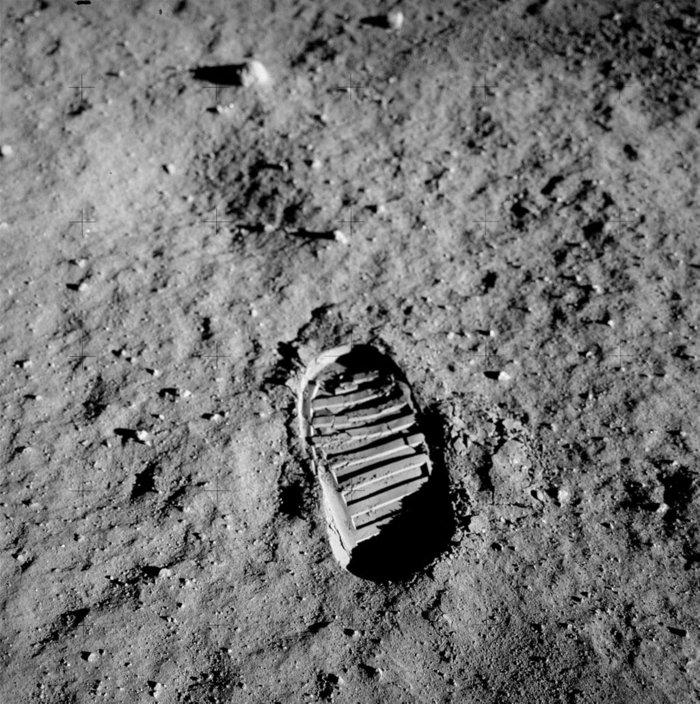 Το ανθρώπινο αποτύπωμα στην επιφάνεια της Σελήνης